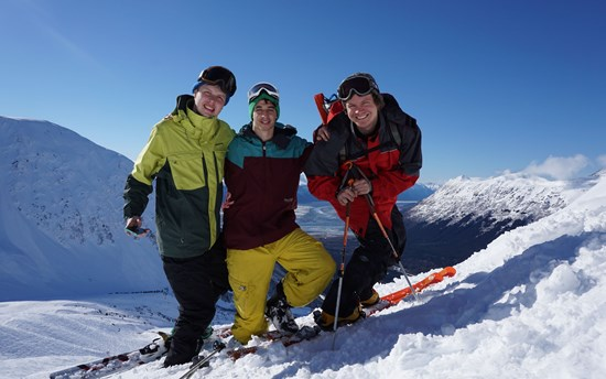 Skiing with friends in Alyeska